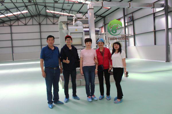 Đông Y Thiên Lương tại nhà máy chế biến kỷ tử hữu cơ Thiên Lương