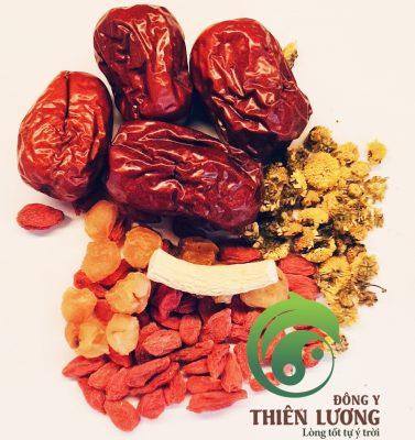 Trà Minh mục dưỡng tâm Thiên Lương bao gồm: cúc hoa hữu cơ, hồng táo hữu cơ, kỷ tử hữu cơ, long nhãn cổ Hưng Yên, nhân sâm cát lâm hữu cơ...