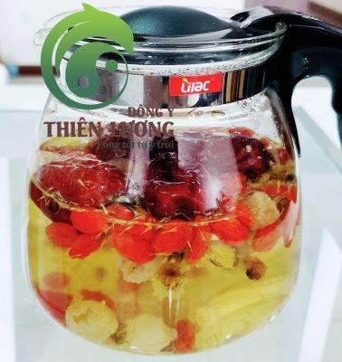 Bình trà Minh mục dưỡng tâm Thiên Lương từ những nguyên liệu hữu cơ và chất lượng cao (bao gồm cúc hoa hữu cơ).